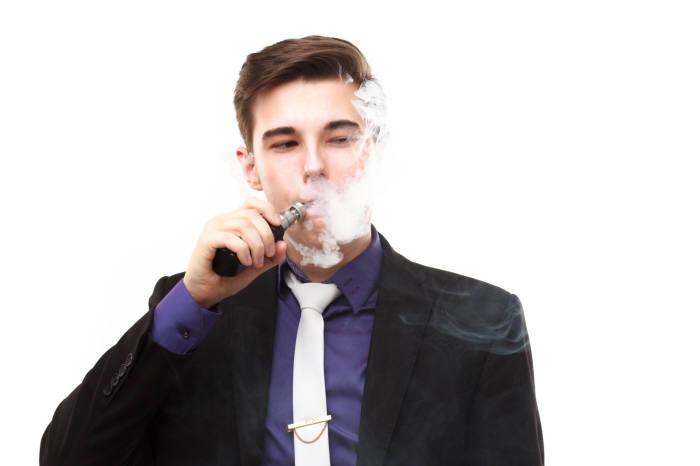 [이슈분석]액상형 전자담배 유해 논란...폐질환 주 원인은 'THC'