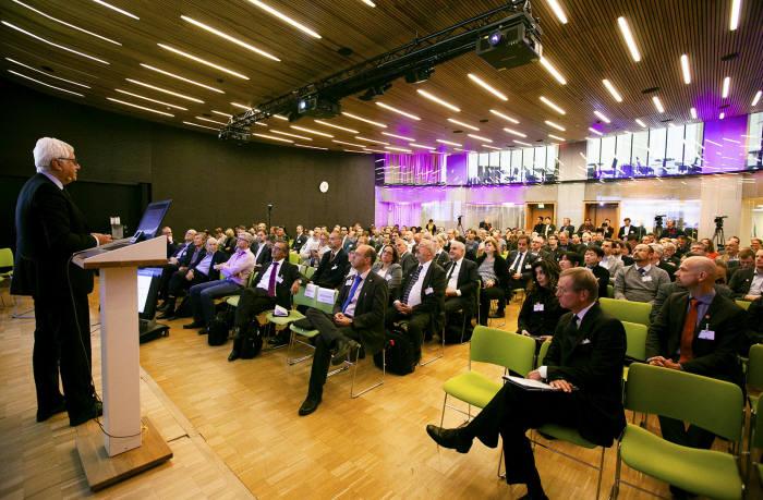17일(현지시각) 핀란드 헬싱키에서 열린 EU 퀀텀 플래그십 컨퍼런스에는 EU 회원국 200여명의 전문가가 모여 양자 주도권 확보를 위한 협력을 다짐했다.
