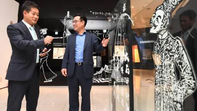 """신종철 한국만화영상진흥원 원장 """"포화된 시장, 웹툰 신성장 스토리 써나갈 때"""""""