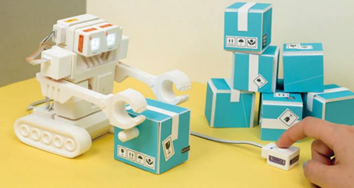 럭스로보의 교육용 코딩 로봇