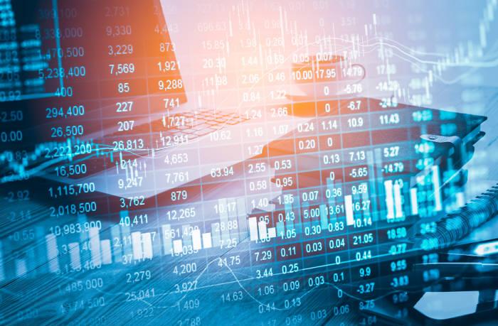 데이터 경제란 데이터의 처리와 활용이 중요한 생산요소가 되는 경제구조를 말한다. (출처: shutterstock)