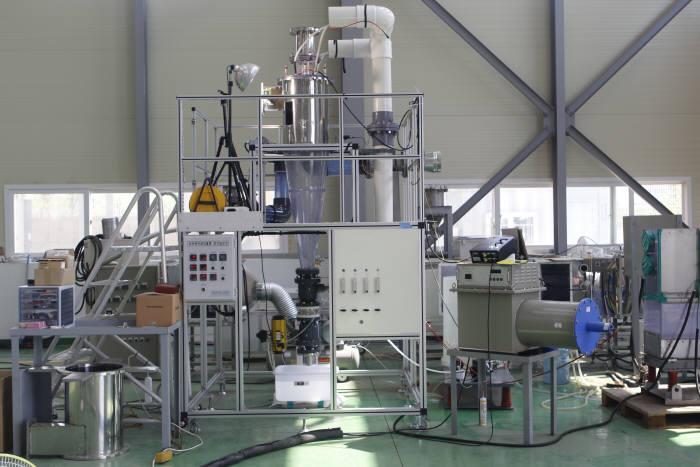 에너지연이 개발한 정전분무 사이클론 실험장치