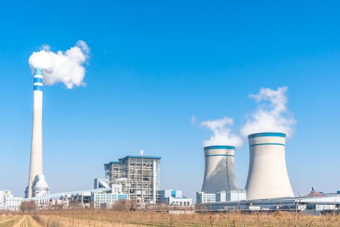 """산업부 """"겨울 석탄발전 8~15기 가동 정지…미세먼지 44% 감축 효과"""""""