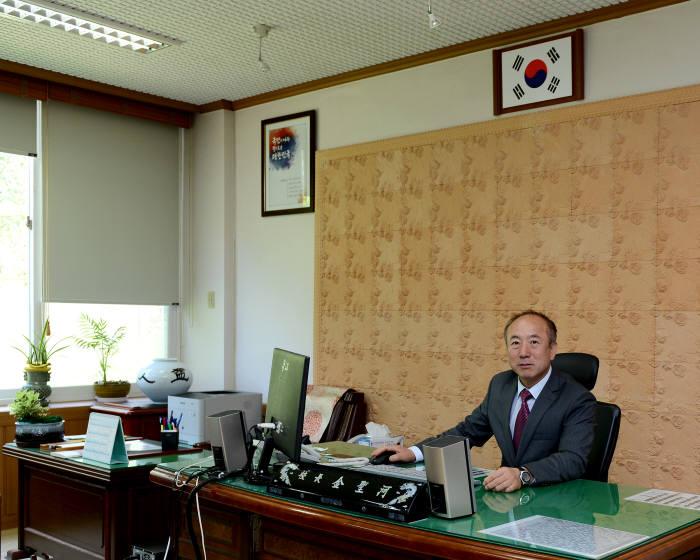 김성하 경기모바일과학고등학교 교장