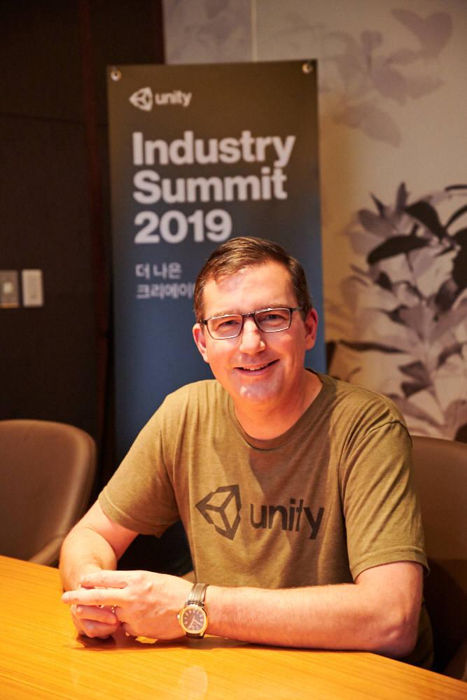 팀 맥도너(Tim McDonough) 유니티 산업 총괄 매니저