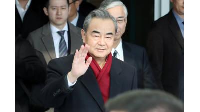 왕이 중국 외교부장 4년 만에 방한