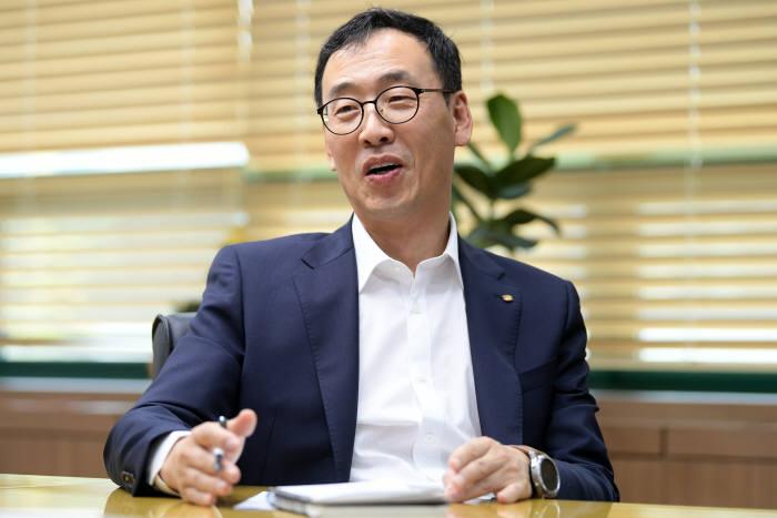 """[데스크가 만났습니다]이영민 한국벤처투자 대표 """"초기 모험자금부터 유니콘 성장까지 지속 지원"""""""