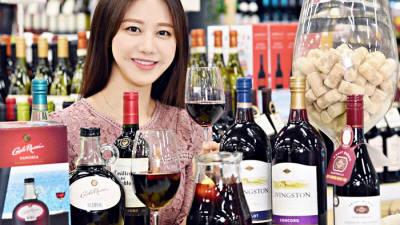 """홈플러스 """"12월엔 소주보다 와인 잘 팔려"""""""