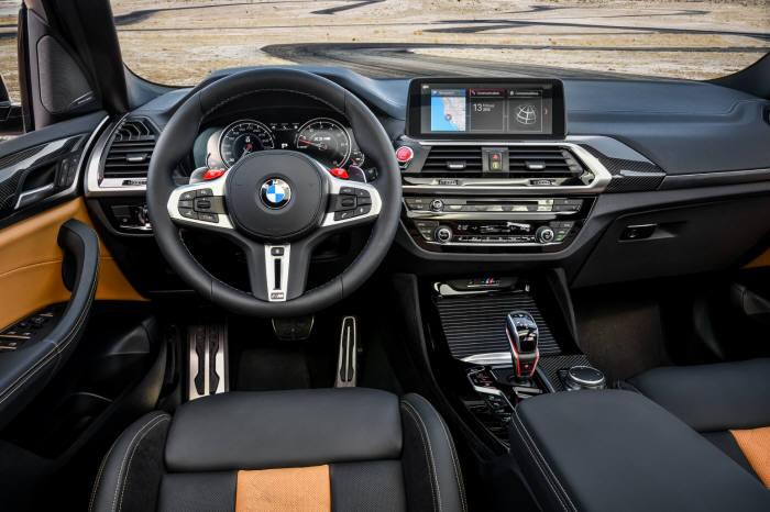 BMW X3 M 실내.