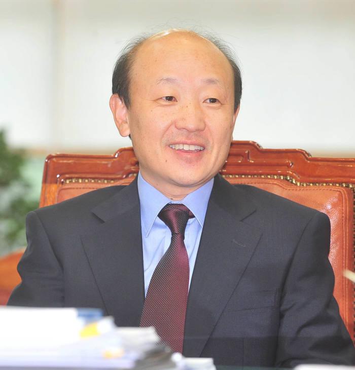 KT 차기회장 후보 9명으로 압축