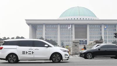 [2019 국내 10대 뉴스]<8>'타다' 둘러싼 택시업계 갈등