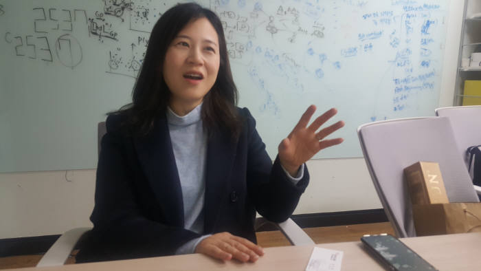 """[2020 신년특집]오혜연 KAIST 소장 """"AI 인재 양성, 기존 학과 지원 강화해야"""""""