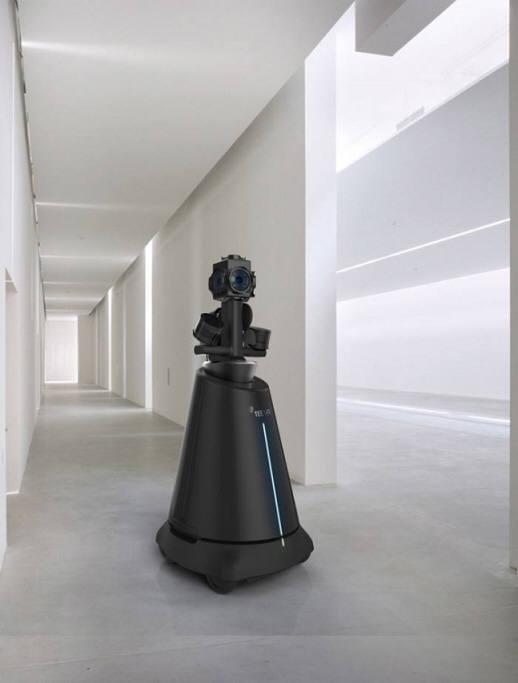 티랩스의 티브이알(TeeVR) 스캐너 로봇. TeeVR 스캐너 로봇이 실내 공간을 스캔하면 컴퓨터가 자동으로 3D 실내 실감 지도를 생성한다.