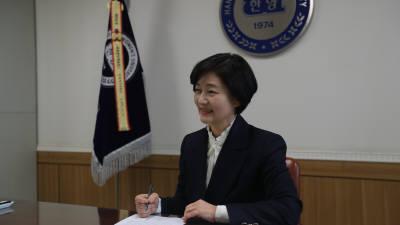 {htmlspecialchars([혁신하는 전문대학]<2>나세리 한양여대 총장