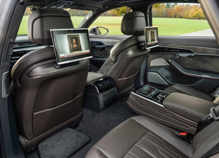 아우디 A8 L 55 TFSI 콰트로 뒷좌석.