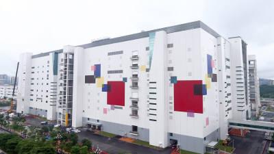 LGD, 中 광저우 공장 이달 말 가동 채비…소자 변화로 수율 개선