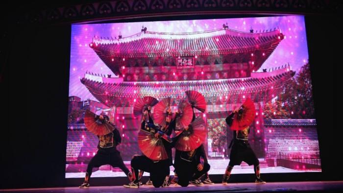 황대균 디렉터가 만든 댄스크루 아너브레이커즈의 모습. (사진=안무공장 제공)