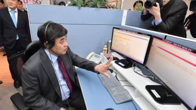 한상혁 방통위원장, LG유플러스 고객센터 방문