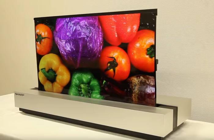 샤프가 공개한 OLED 롤러블 TV 출처 - 샤프 공식 유튜브