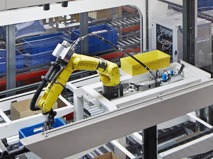 코베리언트 AI의 AI 물류 로봇. <사진=코베리언트 AI>