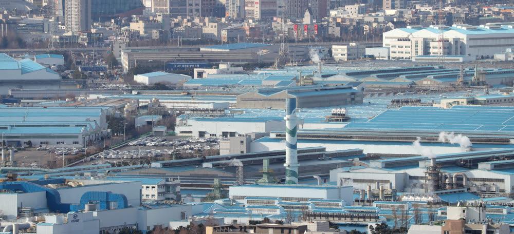 신종 코로나바이러스 사태로 중국산 부품 공급이 중단되면서 생산 라인이 순차적 휴업에 들어간 현대자동차 울산공장.