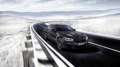 [클릭!이 차]35명만 탈 수 있는 BMW…'M5 컴페티션 35주년 에디션'