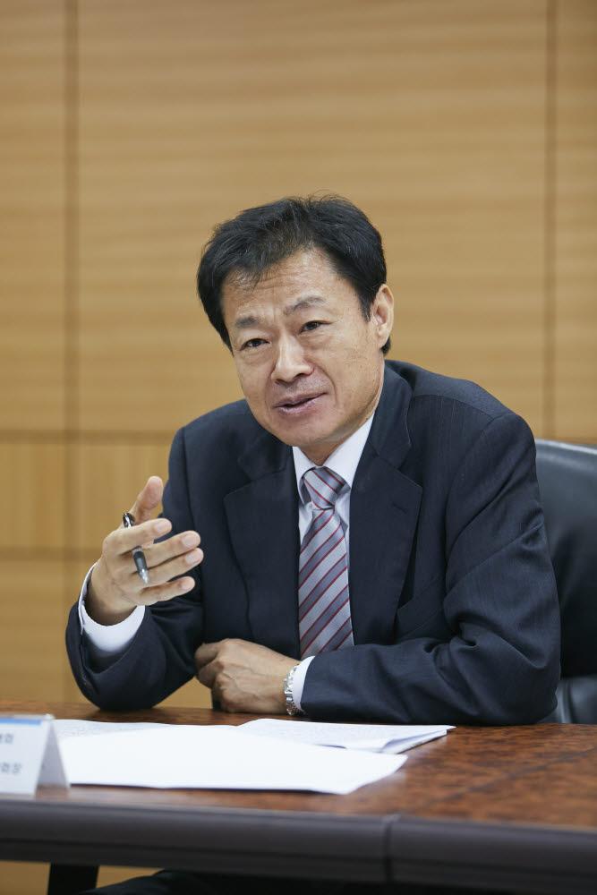 김이환 제5대 UST 총장