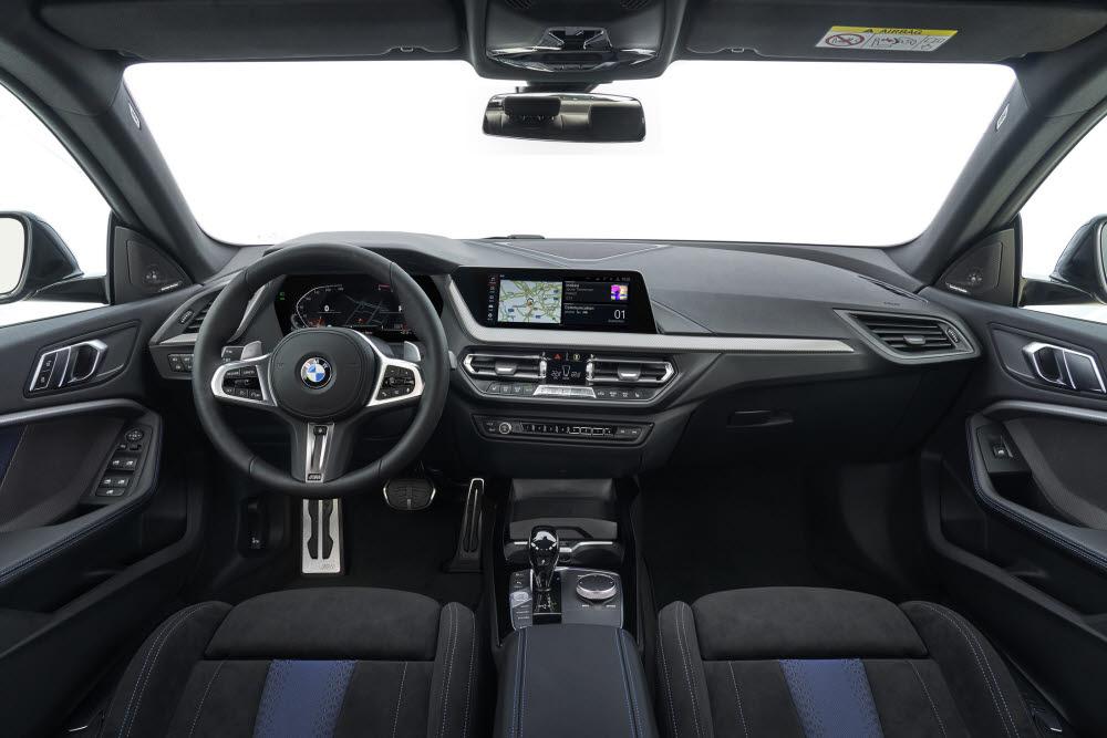BMW 뉴 2시리즈 그란쿠페 실내.