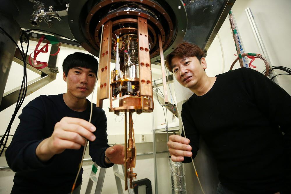 기술을 개발한 KAIST 연구진. 사진 왼쪽부터 김성호 연구원, 조성재 교수