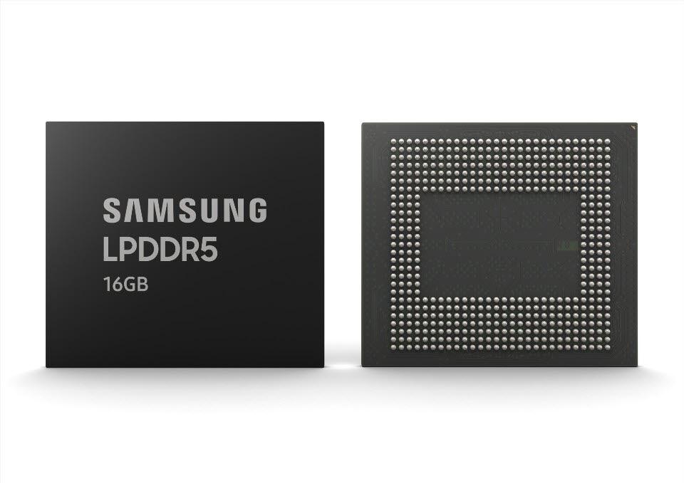 삼성전자의 업계 최초 16GB LPDDR5 D램. <사진=삼성전자>