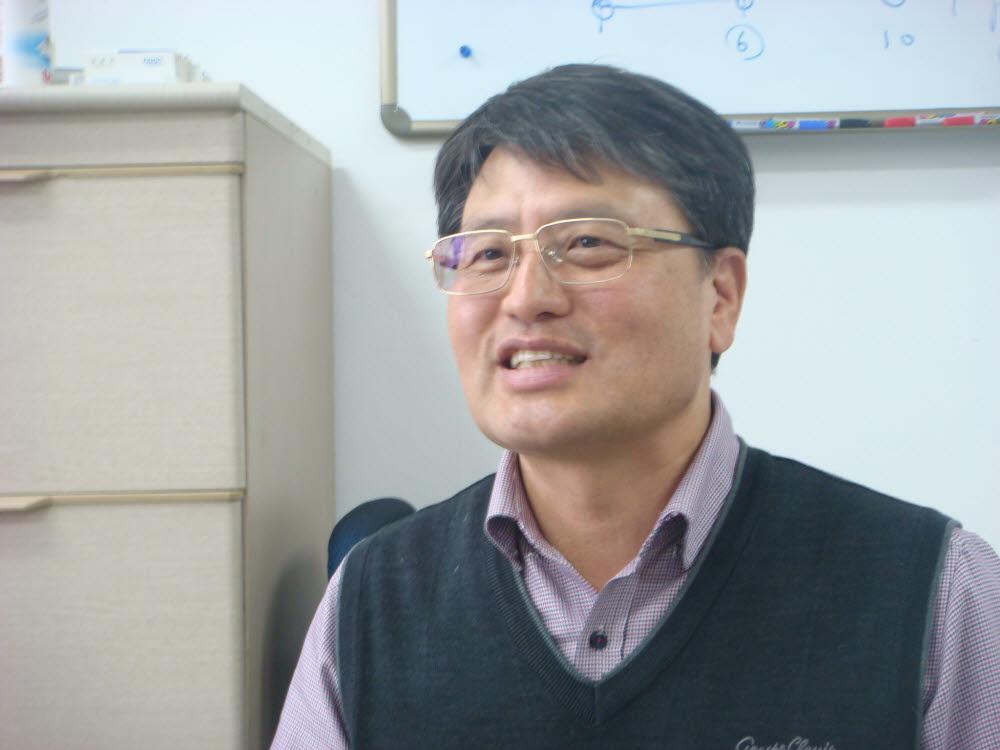 조영래 신임 부산대 공과대학장.