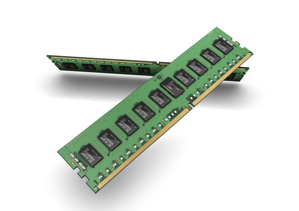 EUV를 적용해 만든 DDR4 D램 모듈(자료: 삼성전자)