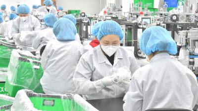 정부-업계, 마스크 소재 확보·대량생산 가속