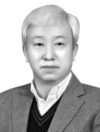 <박종구 나노융합2020사업단장, 4차 산업혁명 보고서 저자. <전자신문DB>>