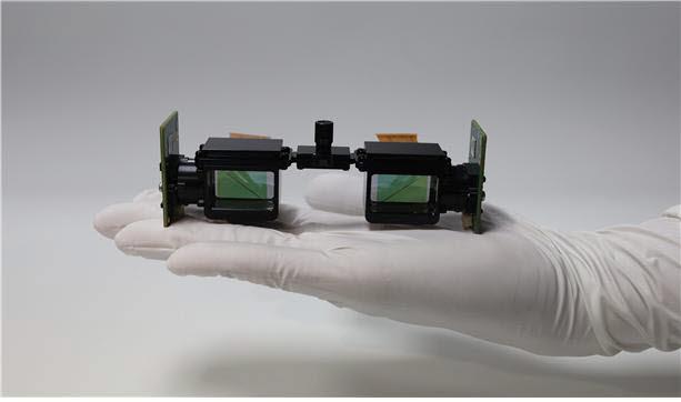 한국광기술원 공간광정보연구센터 이광훈 박사팀이 개발한 안경 방식의 암수술 전용 AR 영상구현 기기.