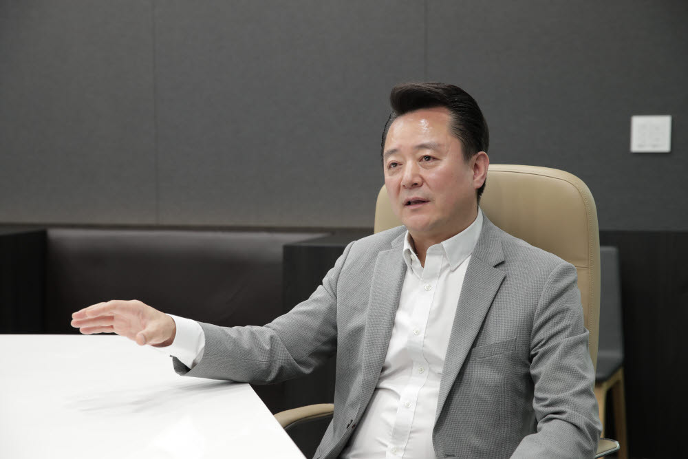 임수현 삼성SDS 부사장이 브리티웍스 솔루션 시장 전략에 대해 설명하고 있다. 삼성SDS 제공
