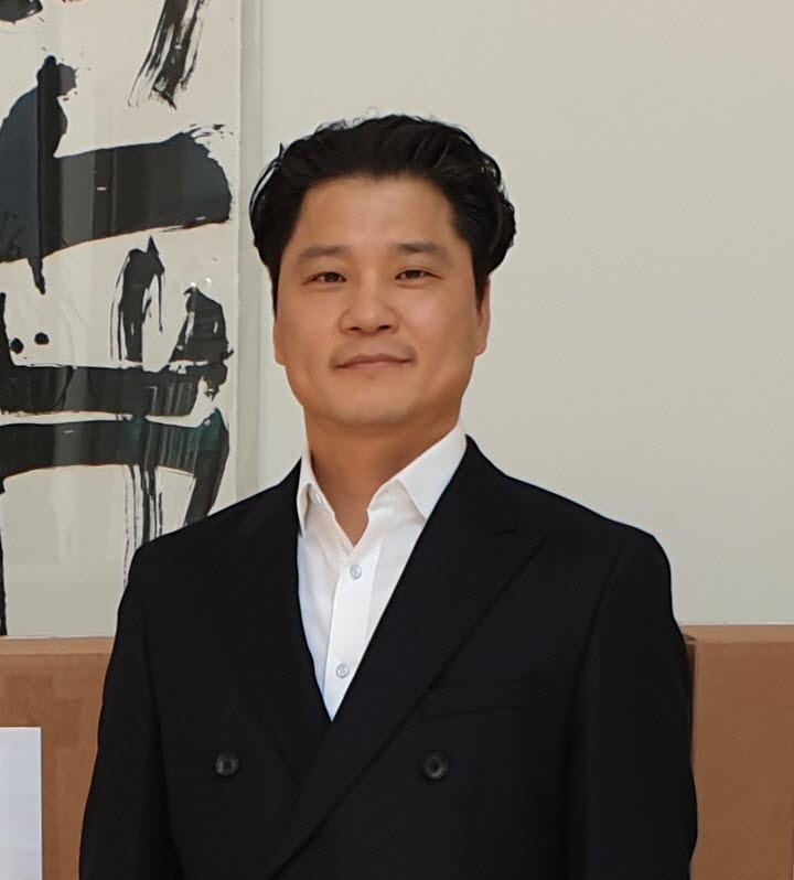 인류 행복과 삶의 질 향상에 기여하는 글로벌 기업을 꿈꾸는 천승호 인더텍 대표.