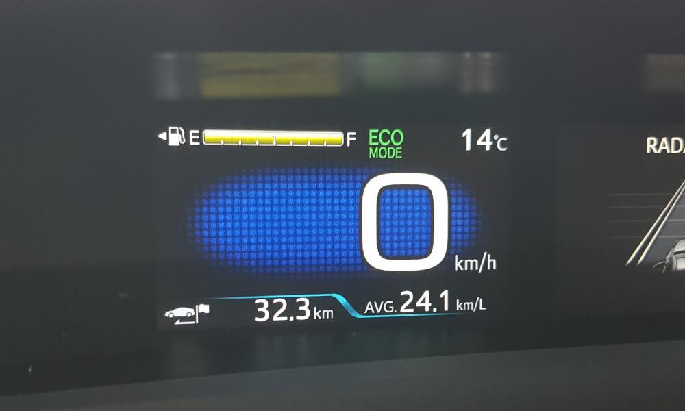 프리우스 AWD 에코모드 연비.