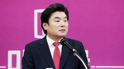 위성정당 통합 속도내는 시민당, 고민하는 한국당