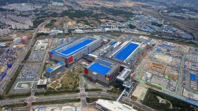 삼성, 평택에도 'EUV 파운드리' 만든다…10조 투자 '2030년 시스템반도체 1위' 가속