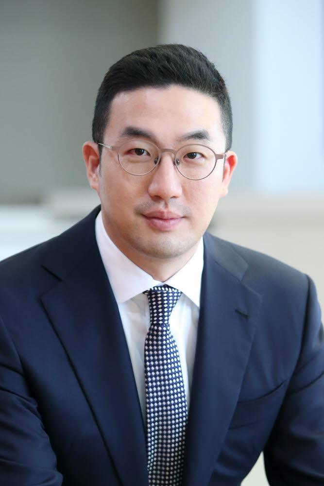 구광모 LG 회장, LG사이언스파크 찾아 디지털 트랜스포메이션·AI 점검