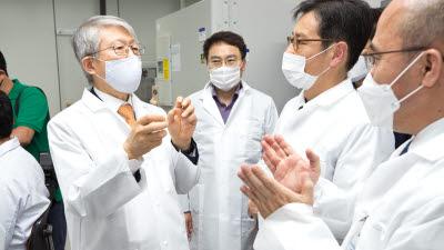 한국생명공학연구원 방문한 최기영 장관