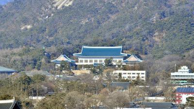 청와대, 코로나 경제 위기 속 한국은 '선방'...한국판 뉴딜은 경제 리더 되기위한 방편