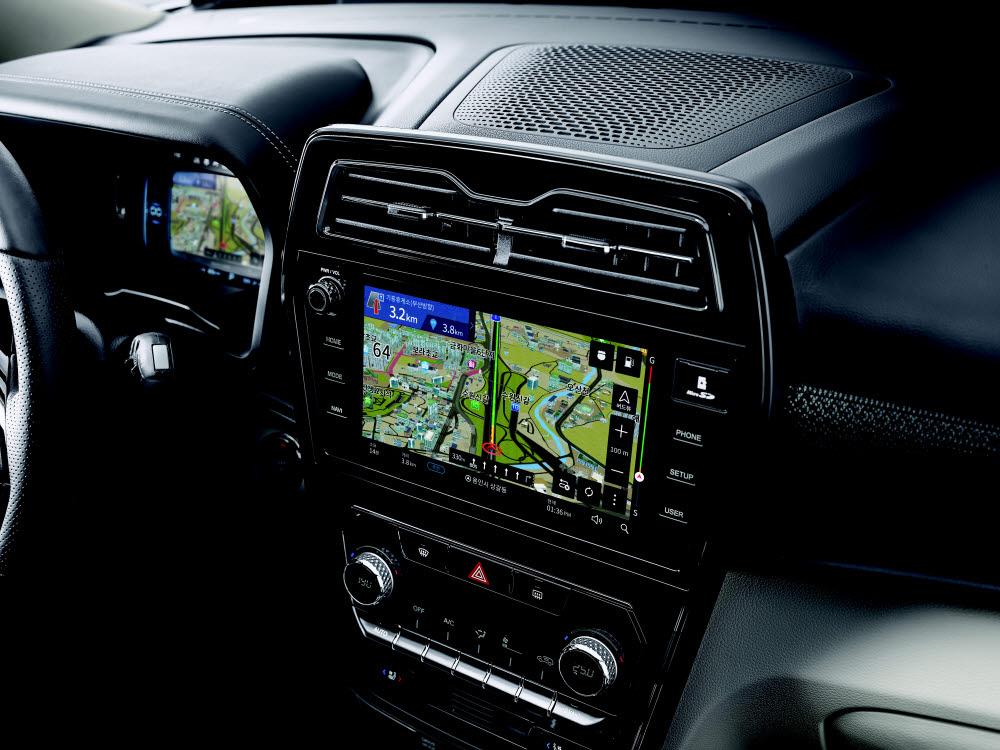쌍용차 리스펙 티볼리 9인치 HD 스크린.
