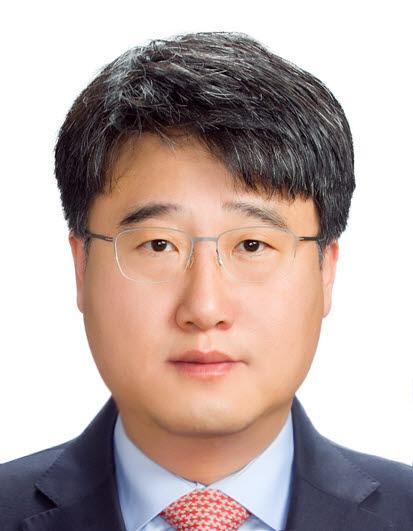 황성기 한양대 법학전문대학원 교수(한국게임정책자율기구 의장) sghwang@hanyang.ac.kr
