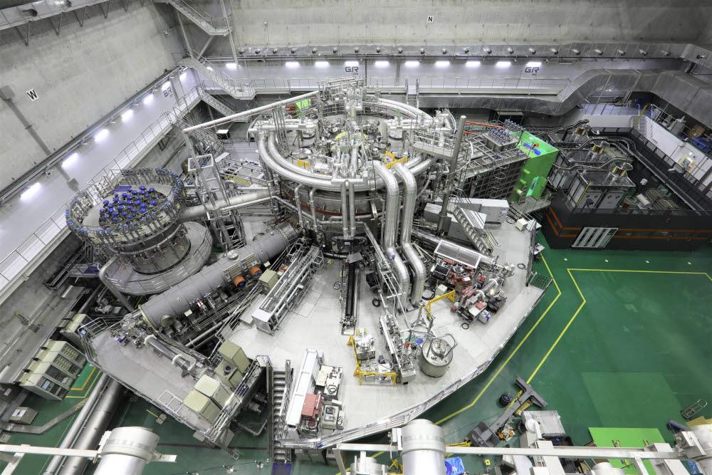 국가핵융합연구소의 초전도핵융합연구장치 KSTAR