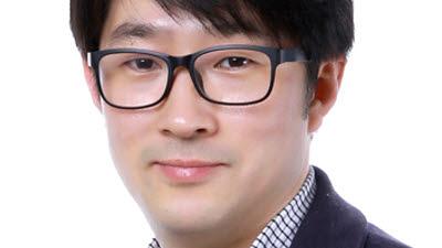 """'올해의 발명왕' 김인주 LGD 팀장 """"롤러블 OLED TV, 디스플레이 패러다임 바꾼다"""""""
