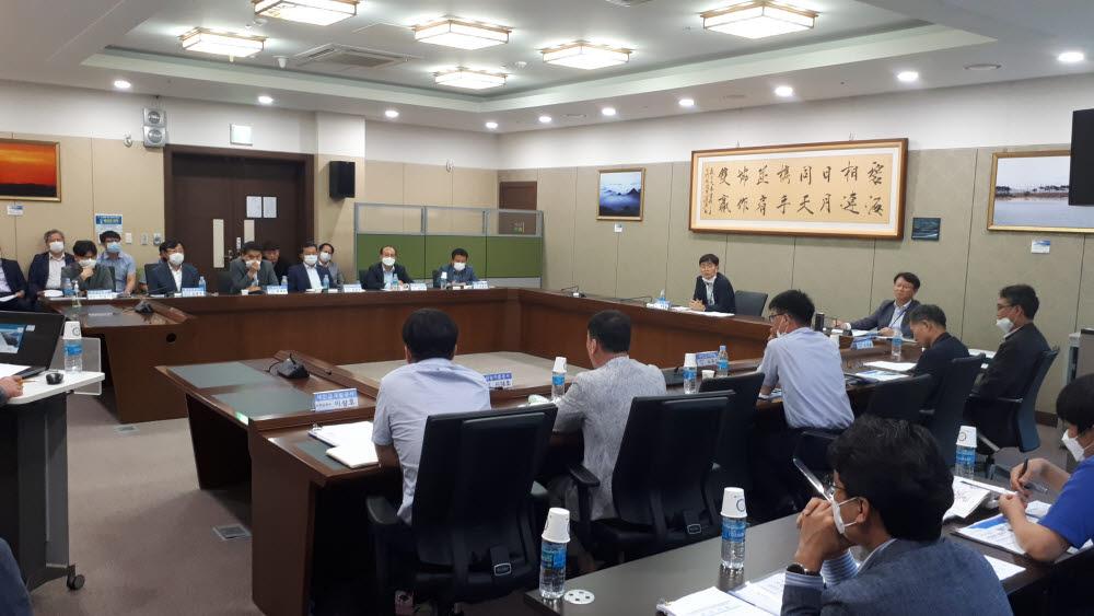 새만금개발청은 다양한 사업을 효율적으로 추진하기 위해 9개 기관이 참여하는 새만금종합사업관리협의회를 구성해 운영한다.