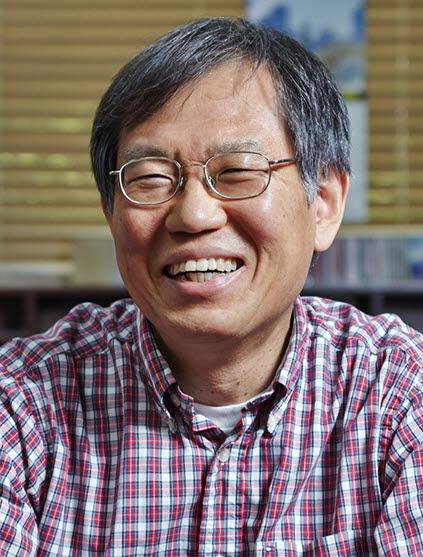 김기문 포스텍 교수(IBS 복잡계 자기조립 연구단장)
