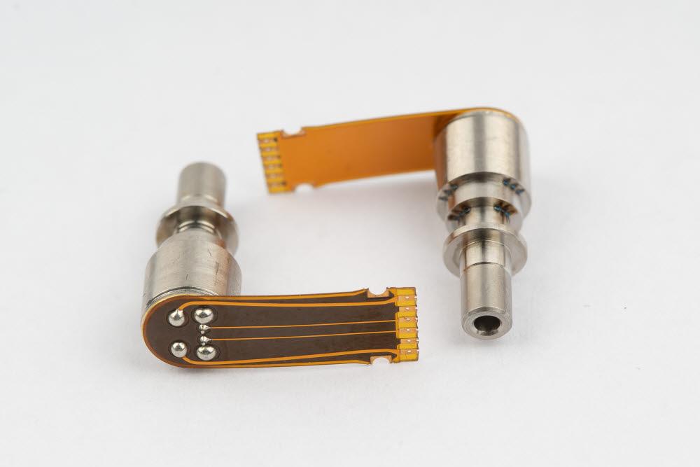 우리로가 생산하고 있는 5G망 25G PIN 및 28G APD 광수신기용 서브 어셈블리(ROSA).